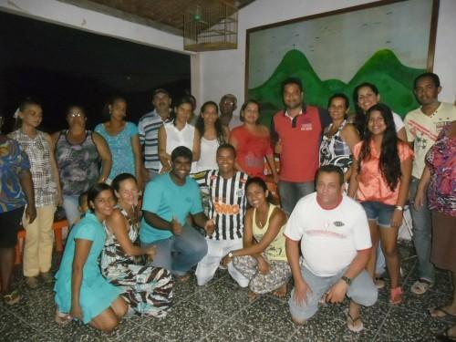 'Adroaldistas' se reuniram para articular emancipação do distrito de Rio do Meio. Presente ao evento, Adroaldo não quis sair na foto. Foto Rubinho Cordeiro