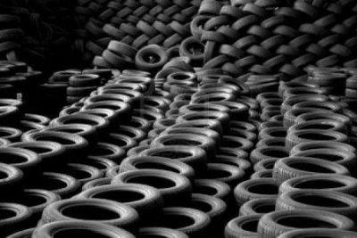 Cerca de mil pneus foram adquiridos com recursos que deveriam ser destinados, exclusivamente, à saúde pública