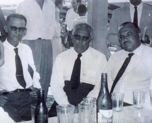 Homens de verdade iniciaram a construção de Itapetinga. Na foto, Juvino Oliveira, José Vaz Espinheira e José Mendonça Luna.