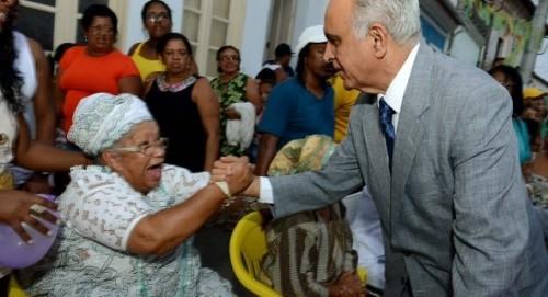 Paulo Souto foi bem recebido pela população de Cachoeira, durante solenidade pela Independência da Bahia.