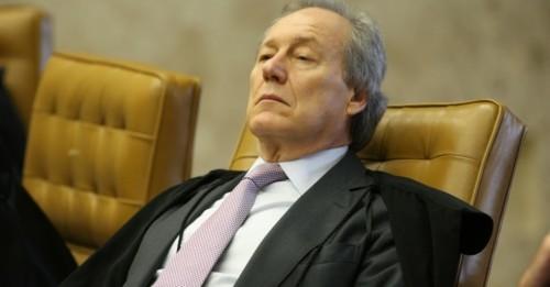 Ricardo Lewandowiski assume presidência do STF e eleva salários dos ministro do Supremo para R$ 35, 9 mil.