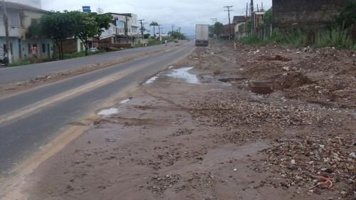 Secretário Jeremias liberou 15ª medição e recursos de R$ 720 mil para a obra mal feita e inacabada da Av. Julio José Rodrigues...