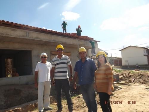 ... mas barrou a conclusão das obras das creches no 12 de dezembro por falta de apenas 12 metros do telhado.