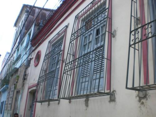 A residência dos estudantes de Itapetinga em Salvador foi abandonada pela secretaria municipal de educação.