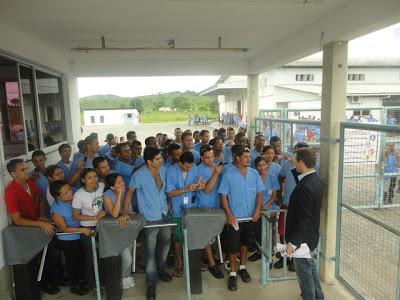 No final de 2012, a Vulcabras/Azaleia fecho 12 fábricas na região, deixando seus empregados perplexos e desnorteados.