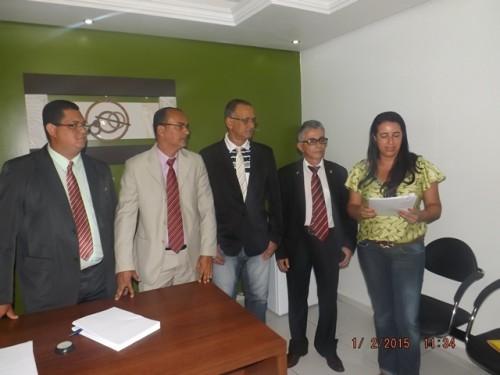 Solenidade contou apenas com a presença de alguns membros da nova mesa diretora e funcionários da câmara.
