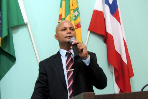 A pouco mais de um mês na presidência da câmara, Ju Roldão já 'passou o rodo' em mais de 80 mil, em gastos suspeitos e desnecessários.