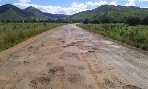 Rodovia que liga a cidade de Caatiba à BA-263 e Itapetinga.