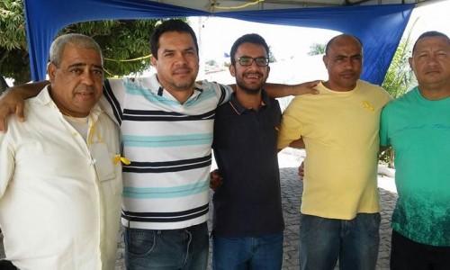 EX-SECRETÁRIO CARLOS LEÔNCIO FOI A EVENTO DO PMDB E POSOU ABRAÇADO COM OS 'GABIRABAS'