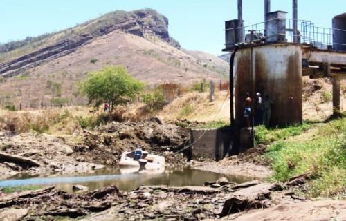 Em Itambé, o abastecimento de água está comprometido devido à baixa vasão do Rio Pardo