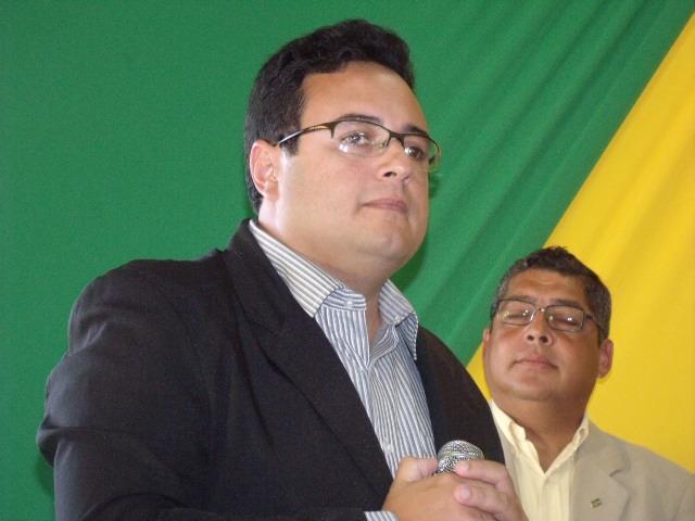 Resultado de imagem para prefeito de Macarani, Miller Silva Ferraz