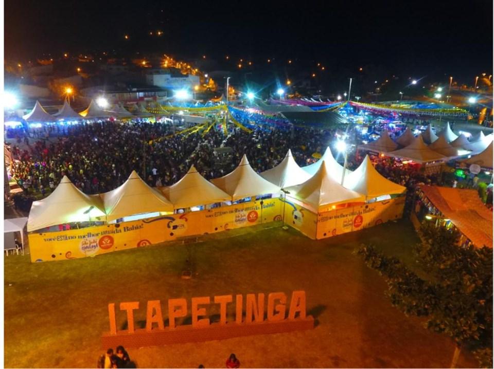 ITAPETINGA: PRIMEIRO DIA DA FESTA DE SÃO JOÃO LOTOU O PARQUE DA LAGOA |  Sudoeste Hoje
